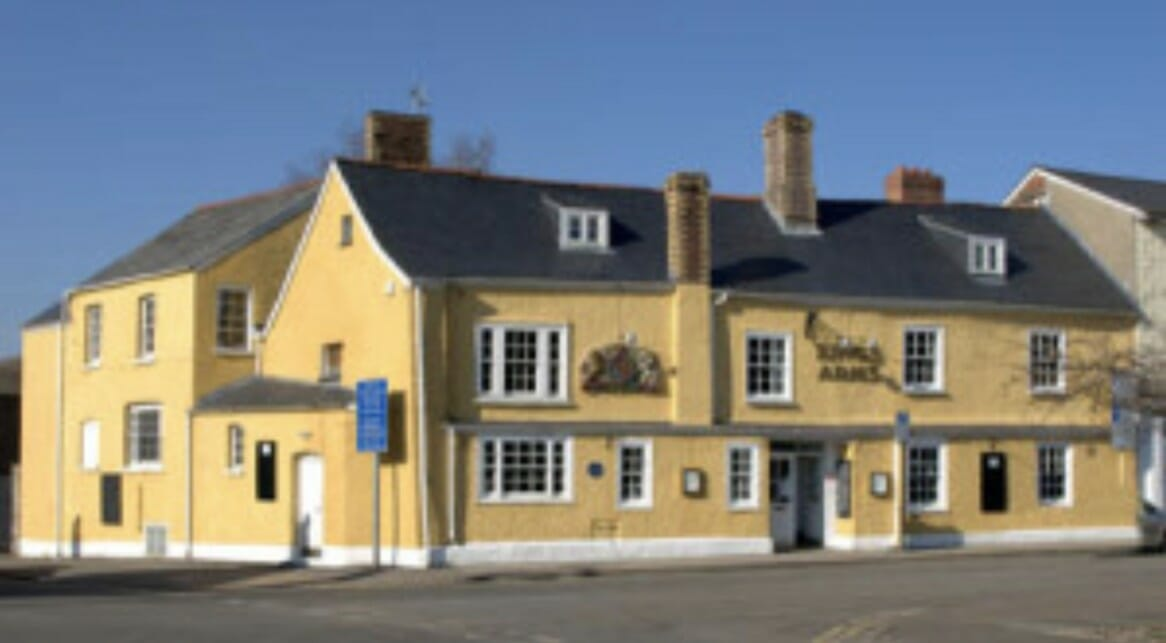 Select Takes Over The Fire & Security Systems At The Kings Arms, Abergavenny
